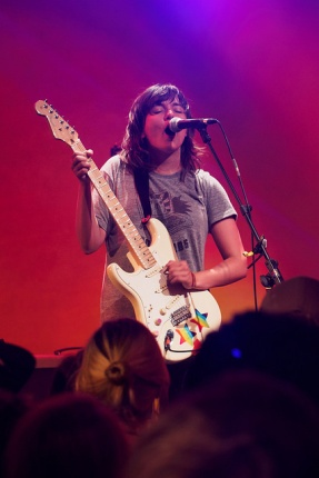 courtney barnett - schwuz - 21112015 - 040_22829843547_m