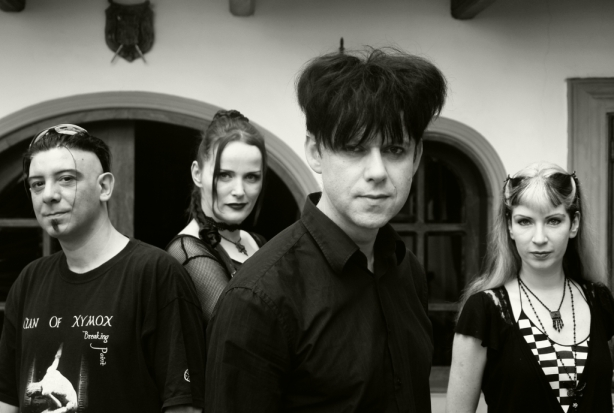 clan-of-xymox2